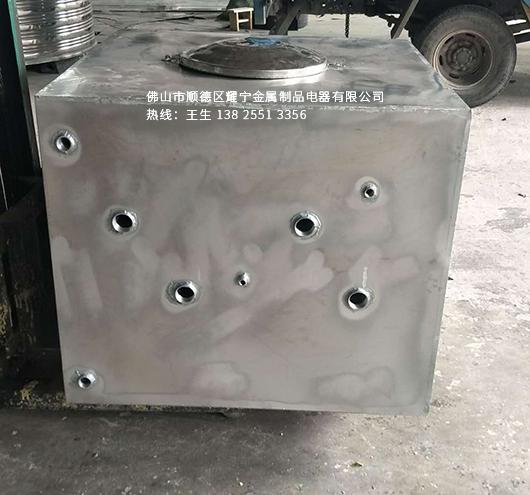 <b>电加热不锈钢水箱</b>